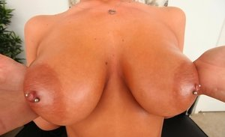 Oiled Boobs