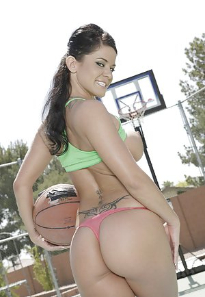 Sport Boobs